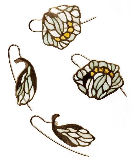 04_coq_earrings02