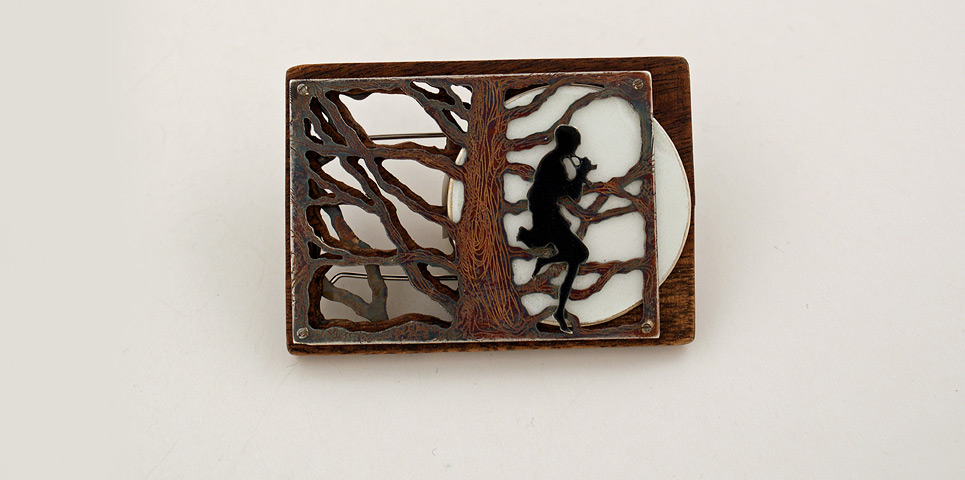 01_faune_brooch_front